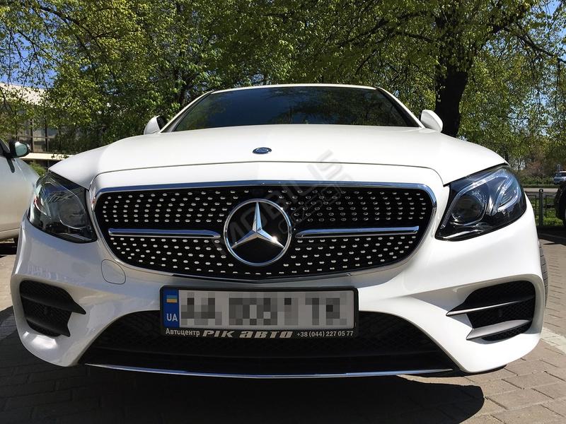 Mercedes-Benz E 220 2017 - установка решетки радиатора Diamond E43 от AMG